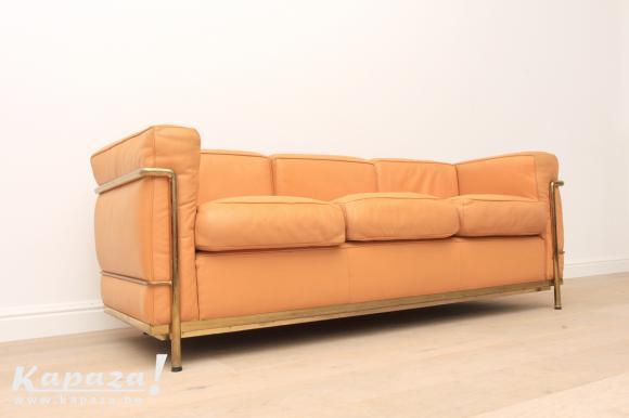 Cognac leder LC2 sofa Le Corbusier