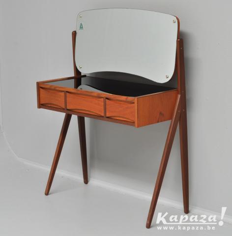 Vintage Toilettafel Deens