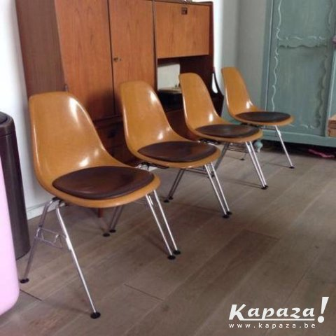 4 originele Herman Miller Eames chairs
